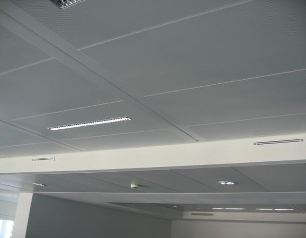 plafond-metallique